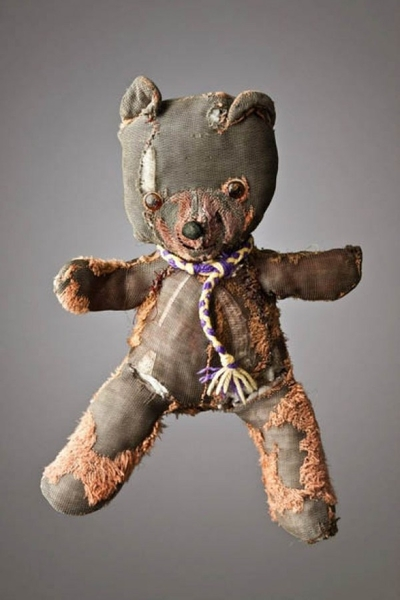 mark-nixon-teddy-bears-2-e1353246094494-5909f0b6-sz600x900-animate.jpg