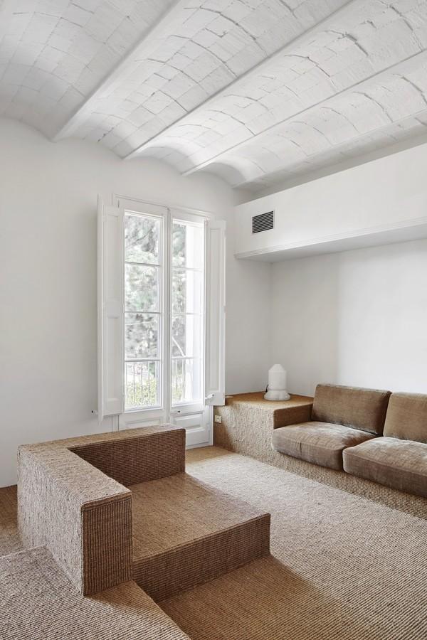 house-girona-barcelona-arquitectura-g-interiors-residential-spain_dezeen_2364_col_4-e1490086060332.jpg