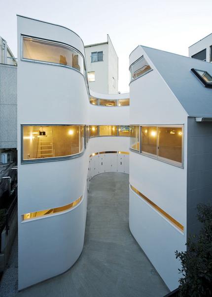 NE-Apartment-by-Nakae-Architects-Akiyoshi-Takagi-Ohno-Japan01.jpg