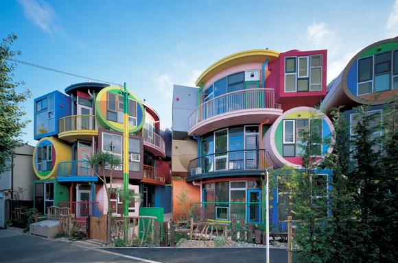 Reversible-Destiny-Lofts-Mitaka-in-Memory-of-Helen-Keller-by-Shusaku-Arakawa-Madeline-Gins-Sasui-Architects-Engineers01.jpg