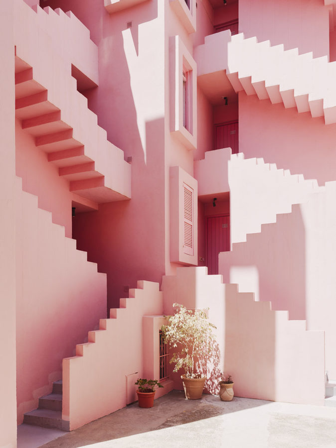 Muralla_Roja_Calpe_Spain_Ricardo_Bofill_Taller_Arquitectura_008-1078x1440.jpg
