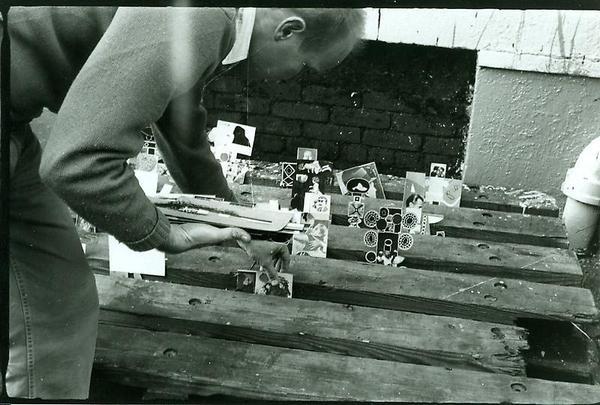 Ray Johnson setting up a moticos installation in New York City, autumn 1955. Photo by Elisabeth Novick.