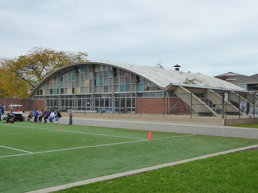 Harrison Park Natatorium, early 1960s  https://chicagomodern.wordpress.com/2012/03/05/concrete-waves-chicagos-twin-west-side-natatoria/