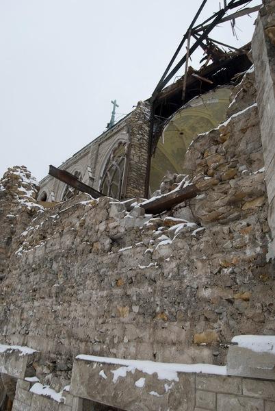 http://allochthonn.blogspot.com    photograph taken in 2012  Holy Name demolition in Kansas City in 2012
