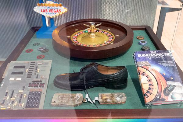J Doyne Farmer - Roulette shoe computer 1978 01