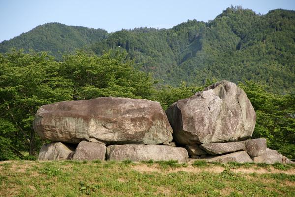 Ishibutai-kofun_Asuka_Nara_pref03n4592.jpg