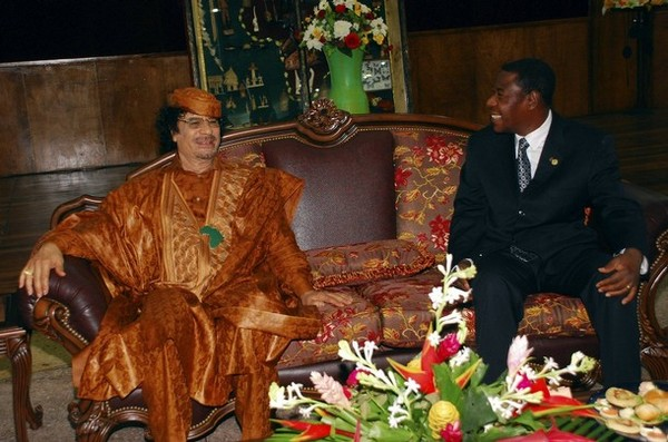 Libyan-leader-Muammar-Gaddafi-meets-with-Benin-President-Yayi-Boni-in-Cotonou-during-the-summit-of-heads-of-state-of-Community-of-Sahel-Saharan-States.jpg