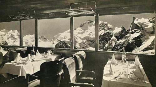 Albert-Steiner-Dining-Carof-the-Bernina-Express-Switzerland-1940s-.jpg