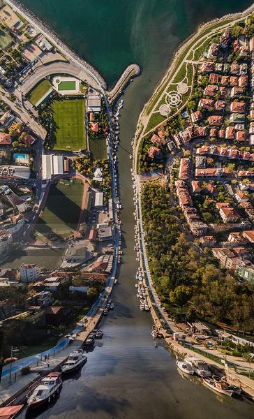aydin-buyuktas-flatland-warped-cityscapes-designboom-07.jpg