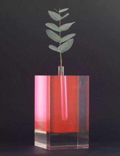Flower Vase 2_Shiro Kuramata (1989)