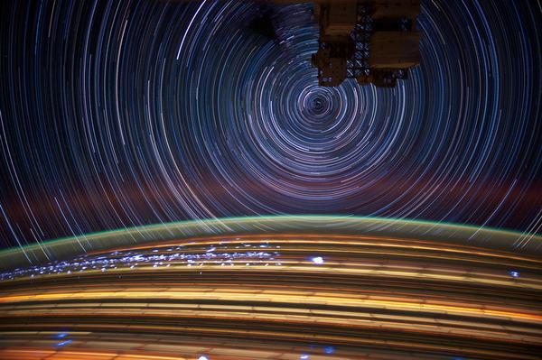 07-Don-Pettit-star-trails_905.jpg