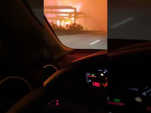 """Occurred on October 15, 2017 / Vagos, Portugal """"I entered the road on a point that was not closed to traffic. Moments later, I started to record the fire until I found myself almost trapped."""" TO SEE THE HOTTEST VIRAL VIDEOS DAILY..."""