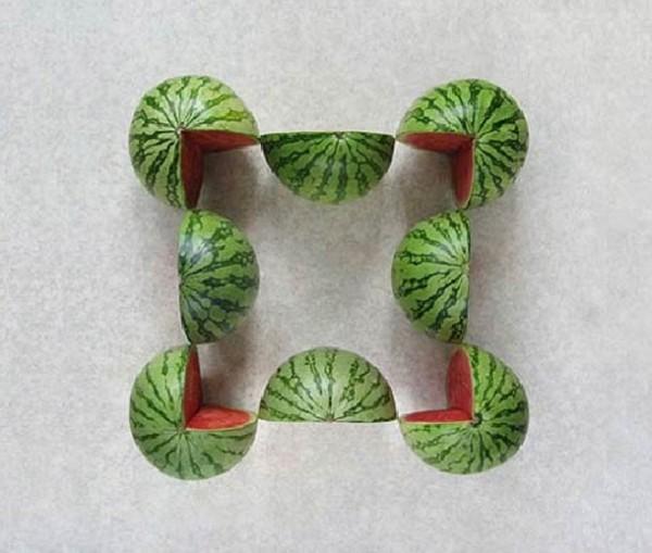geometric-fruits-Sakir-Gokcebag-600x509.jpg