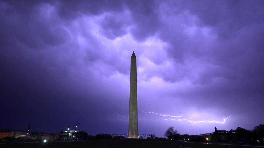 washington-monument-dc-night-dramatic-beautiful-lightning-slow-4k-007_41gw_vt_p__F0006.png