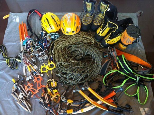 Climbing-equipment-810x605.jpg