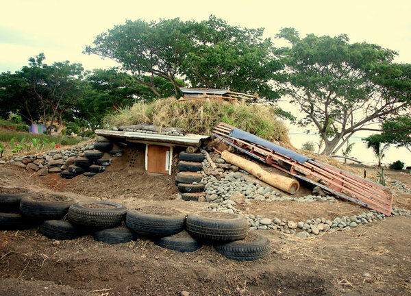 SURVIVAL-SHELTER-EARTHSHIP-FIJI.jpg