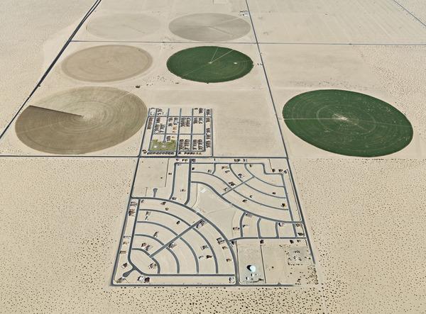 Burtynsky_Water_06_Pivot-Irrigation_Arizona.jpg