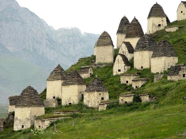 In_Dargavs_North_Ossetia.jpg