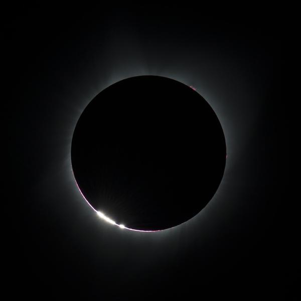 2017_Total_Solar_Eclipse_-36549747932-.jpg