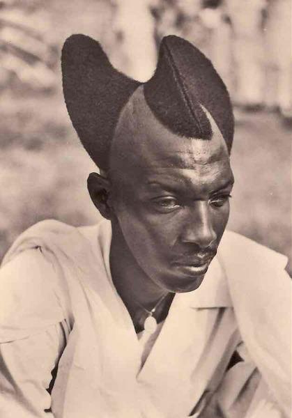 Rwandan man with Amasunzu hairstyle (1923)
