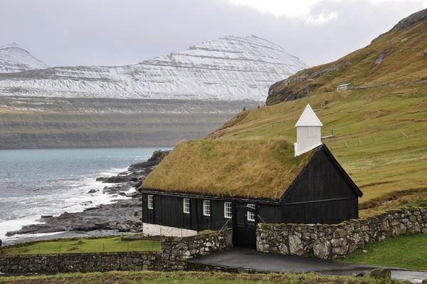 Faroe_Islands-_Eysturoy-_Funningur_-4-.jpg