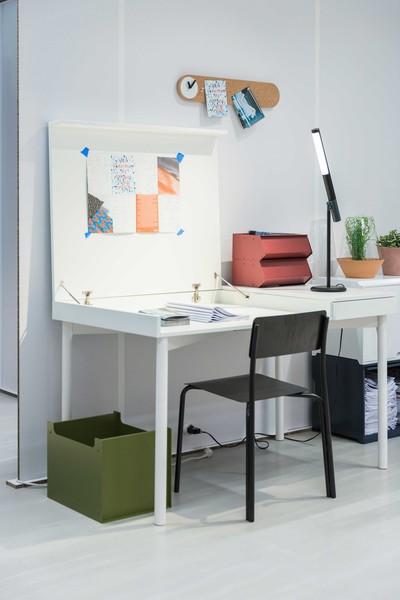 IKEA_DDD_ecal_desk-2500x3750.jpg
