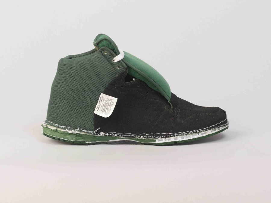 invert-footwear-1024x768.jpg