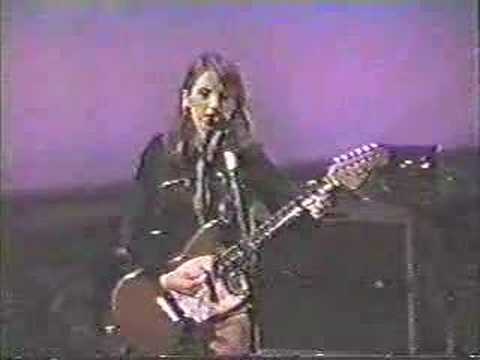 live performance from her 1995 solo tour