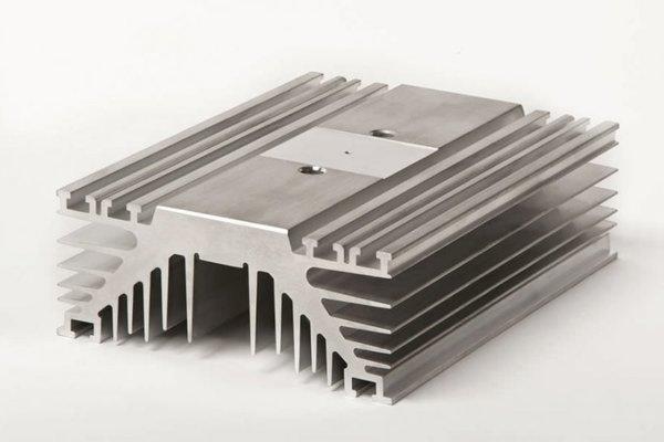aluminium-heat-sink-1-aluminum-heatsink-extruded-power-819-x-546.jpg