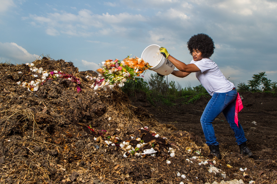 Detroit Dirt is a leading model of organic waste recovery and reuse seeking to create a zero-waste mindset throughout communities and drive forward a low-carbon economy founded by Pashon Murray. Focusing on composting, Detroit Dirt helps blight removal and neighborhood beautification while building strong ties with neighbors, providing environmental awareness and education and creating long-term employment opportunities.  Founder: [Pashon Murray](https://www.detroitdirt.org/pashon-murray/) Year: 2016 Location: Detroit, Michigan Image credit: [Detroit Dirt](https://www.detroitdirt.org/)  Presented at [IdeasCity Detroit](http://www.ideas-city.org/ideascity-detroit/public-conference/about/)