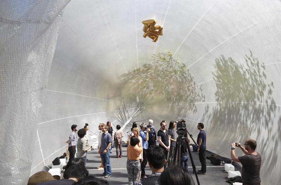 85. Portable Urban Bubble for Public Engagement