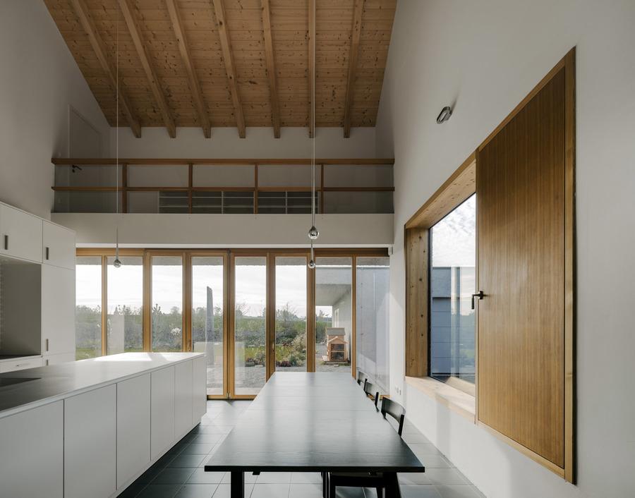 17-11-Am-Feldrand-Atelier-ST_Simon-Menges_LoRes_16.jpg