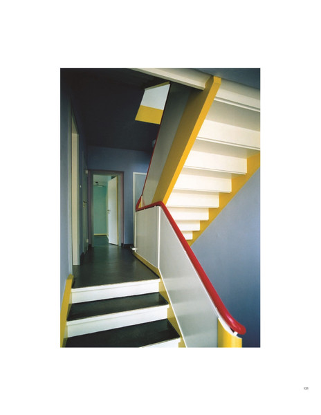 Walter-Gropius-and-Wassily-Kandinsky-Stairwell-of-the-Kandinsky-House-in-Dessau-condition-in-1999.pdf