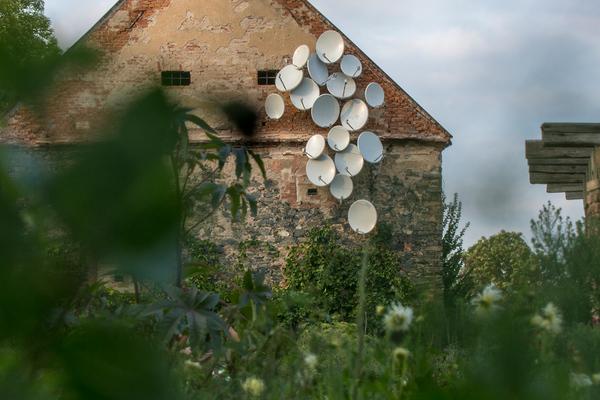 Jakub Geltner–Nest 07 installation