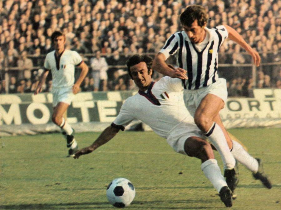 1970-71_Serie_A_-_Juventus_v_Cagliari_-_Adriano_Novellini.jpg