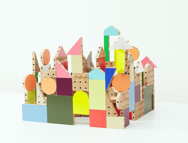 original-dowel-blocks-le-kit-de-construction-pour-enfant-par-ichiro-design-design-blog-espritdesign-2.jpg