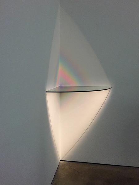 Corner-Lamp-SB-8-single-bevel-by-Larry-Bell.jpeg