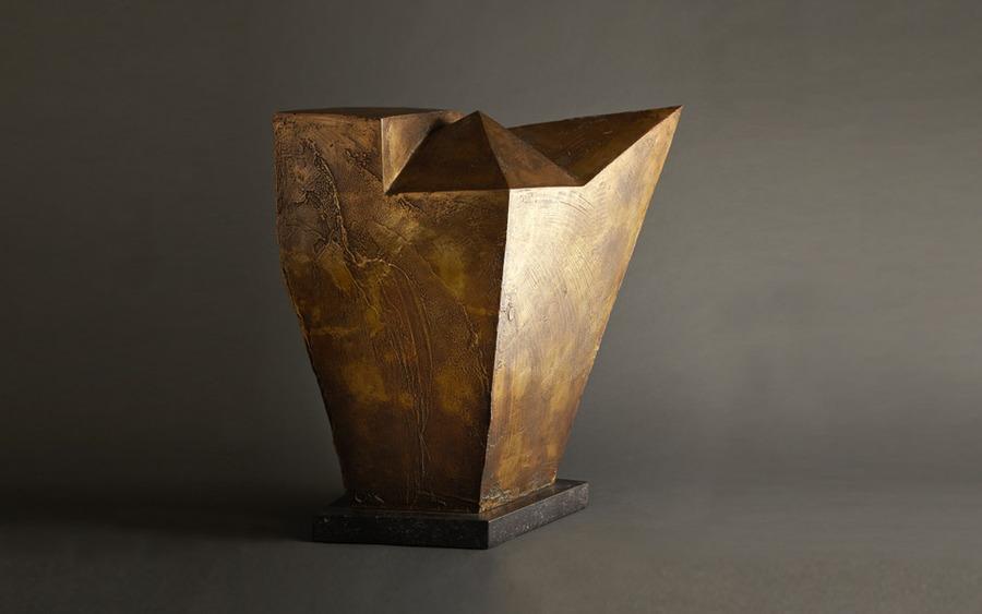 Emile Gilioli - homme de paix (1965 bronze)