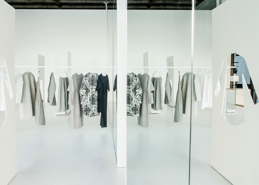 COS-LA-Pop-Up-Store_Snarkitecture_dezeen_1568_3.jpg