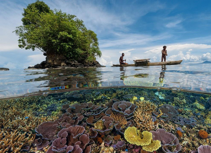 crystal-clear-water-of-papua-new-guinea.jpg