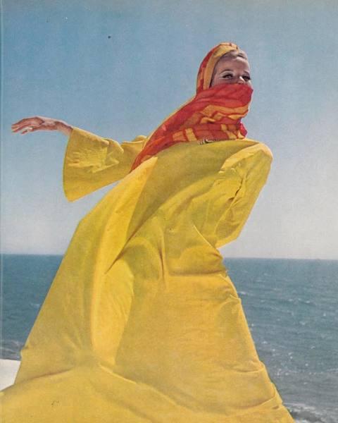 Shoot inspiration! Loving Veruschka photographed by Henry Clarke for Vogue magazine 1965 * * * * * #fashion #photography #inspiration #kaftan #turban #henryclarke #veruschka