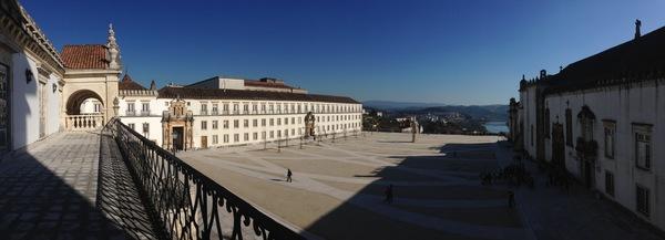 Vista panorâmica do Paço das Escolas da Universidade de Coimbra.