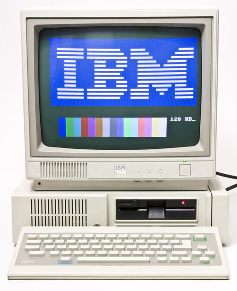 Ibm_pcjr_with_display.jpg