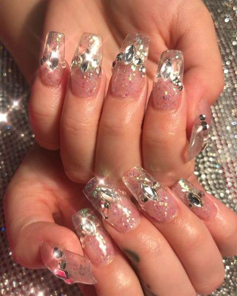 Clear diamond nails 💅🏻💖 @nicollettesings #nailsbymei #swarovski #nailart