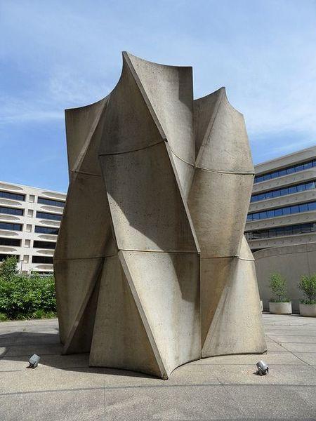 06065acf19fd15d98cfb4b4cc07340d4-norman-modern-sculpture.jpg