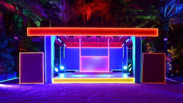 the-prada-double-club-miami-carsten-ho-ller-design-installations-florida-usa_dezeen_2364_hero1-852x479.jpg