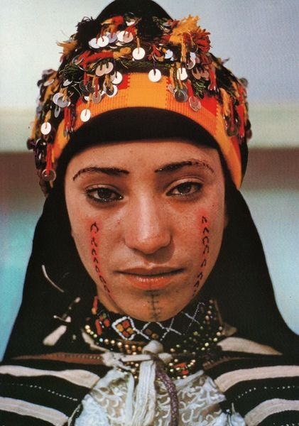 03c9f511c8241709eb2f0e0385b47a2c-woman-face-tattoo-woman-tattoos.jpg