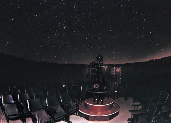 Belgrade_Planetarium_theatre_night.jpg