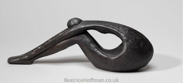sculpture_artwork_beatrice_hoffman_stretched_forward_1.jpg