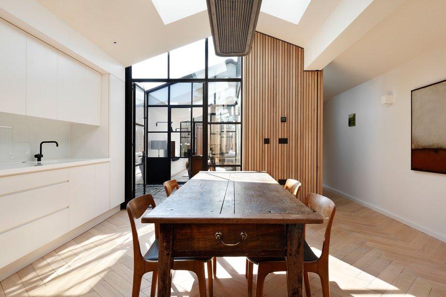 p1_courtyard_house_london_de_rosee_sa_yatzer_0.jpg